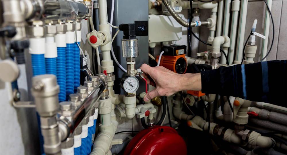 Instalacja hydrailiczna do rozdzielania ciepła