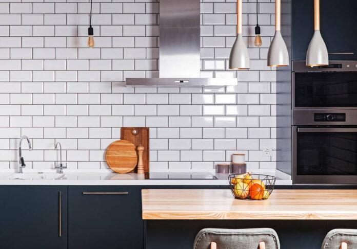 Mieszkanie na miarę XXI wieku – jakie lampy pasują do nowoczesnych wnętrz